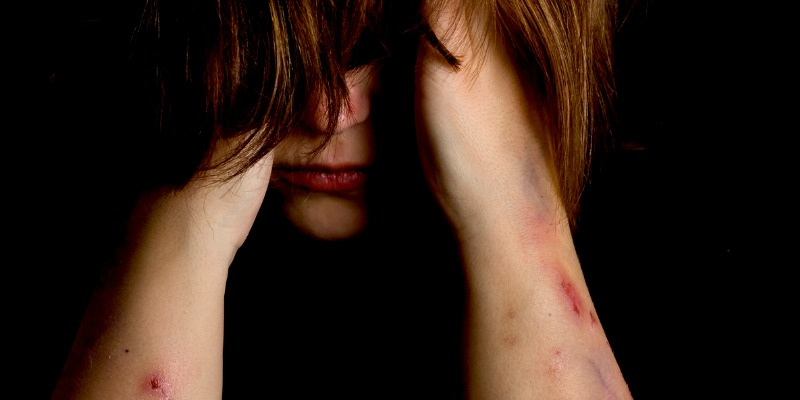 How to Spot the Warning Signs of Self-Harm